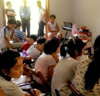 Murid-murid Kristen Cina di Kamp Musim Panas