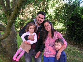 Roberto Vaca with His wife and kids