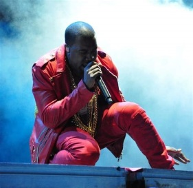 Kanye Wast aktor musik Rap menjadi Kristen lahir baru